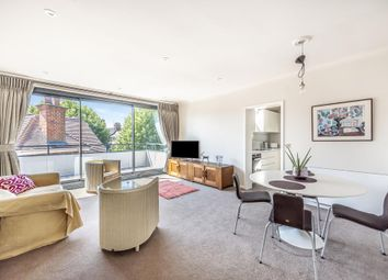 Thumbnail Flat to rent in Rosecroft Avenue, Hampstead NW3,