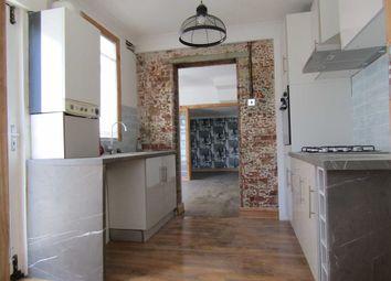 Thumbnail 1 bedroom flat for sale in Sussex Terrace, London Road, Purfleet