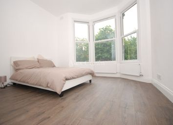 3 bed flat to rent in Caledonian Road, London N7