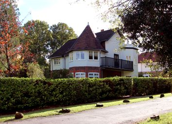 Thumbnail 4 bed detached house to rent in Coombe Hill Road, East Grinstead, West Sussex