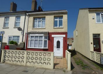 Thumbnail 1 bed flat to rent in Saunders Street, Gillingham