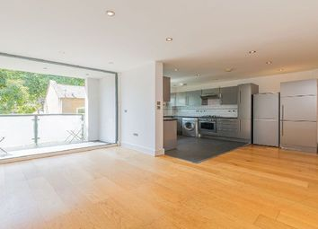 Thumbnail 1 bedroom flat to rent in Bethnal Green Road, London