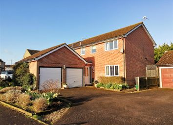Thumbnail 4 bed detached house for sale in Augustus Drive, Basingstoke