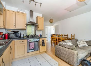 Thumbnail Flat for sale in Winton Close, Winchester