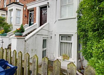 Thumbnail 2 bed flat to rent in Brownlow Road, Finchley, London