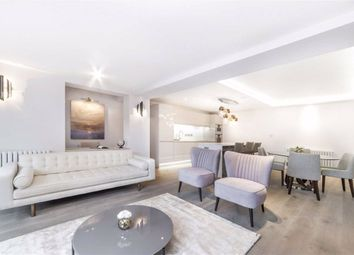 Thumbnail 3 bedroom flat to rent in Park St James, London