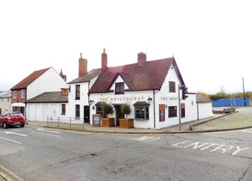 Thumbnail Pub/bar for sale in Wendover Road, Aylesbury: Berkshire