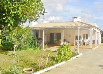 Thumbnail 3 bed villa for sale in Portugal, Algarve, Faro