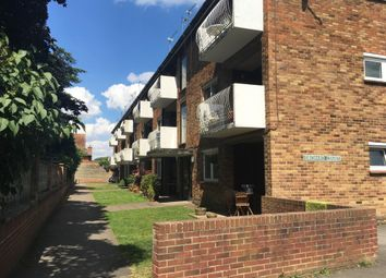 Thumbnail 2 bedroom flat to rent in Turners Drive, Thatcham