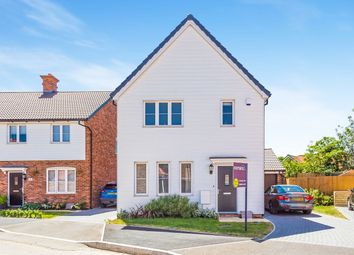 Thumbnail 3 bed detached house to rent in Loddon Bridge Road, Woodley, Reading