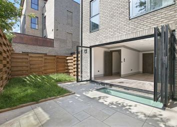 Thumbnail 4 bed town house for sale in St. Pauls Mews, London