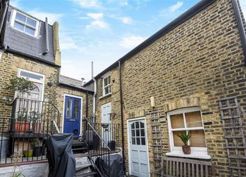 Thumbnail 1 bed flat to rent in Smiths Yard, London