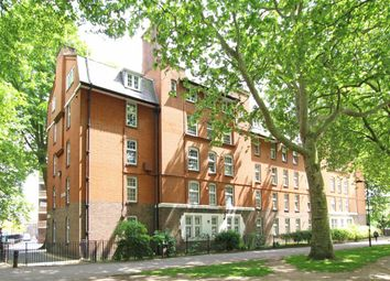 Thumbnail 1 bedroom flat for sale in London Fields East Side, London