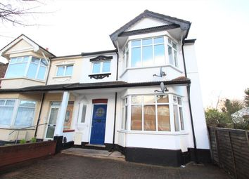 3 bed flat to rent in Hale Grove Gardens, London NW7