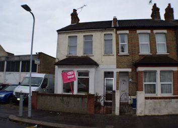 Thumbnail 1 bed flat for sale in 116A Salisbury Avenue, Westcliff-On-Sea, Essex