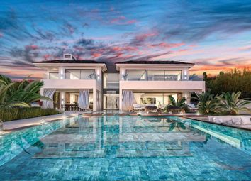 Thumbnail 6 bed villa for sale in The Golden Mile, Spain