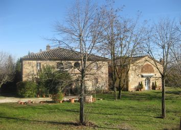 Thumbnail 9 bed farmhouse for sale in Strada Comunale di Catignano, 25, 53019 Castelnuovo Berardenga, Si, Italy