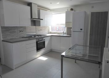 Thumbnail 3 bed flat to rent in York Road, Reading