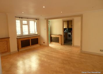 2 bed maisonette to rent in Valetta Road, Acton, London W3