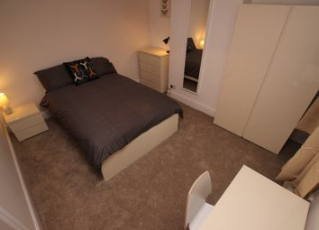 Thumbnail Room to rent in Bishops Road - Room 4, Reading