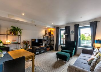 Isabella Mews, Islington, London N1. 2 bed property