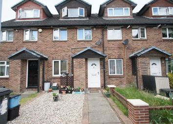 2 bed flat for sale in Amanda Close, Chigwell IG7