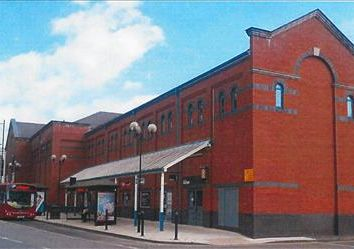 Thumbnail Commercial property to let in Part Floor Octagon Shopping Centre, New Street, Burton Upon Trent, Staffordshire