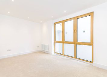 Thumbnail 2 bedroom flat to rent in County Street, Borough