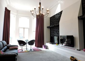 Thumbnail 2 bedroom flat to rent in First Avenue, Hove