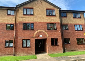 Thumbnail 1 bed flat to rent in Longmere Road, Crawley