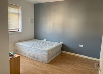 Thumbnail Studio to rent in Meadfoot Road, Streatham Common, London