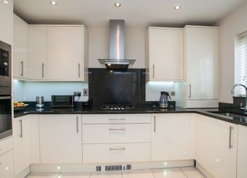 Thumbnail 5 bed detached house to rent in Green Lane, Purley