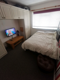 Thumbnail Room to rent in Wendling Road, Sutton