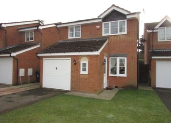 Thumbnail 3 bedroom detached house to rent in St Davids Close, Stevenage