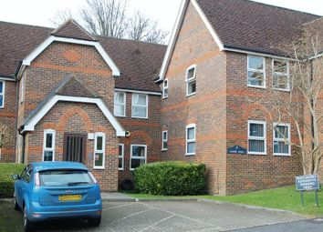 Thumbnail 1 bed flat to rent in Malmers Well Road, High Wycombe