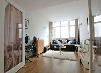 Thumbnail 1 bed flat to rent in Bishopsgate, Liverpool Street