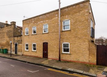 2 bed property for sale in Vansittart Road, London E7