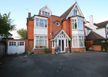 Thumbnail 2 bed flat to rent in Park Avenue, Bromley