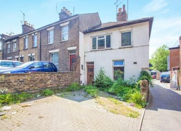 Thumbnail 2 bed maisonette for sale in Chalk Hill, Watford, Hertfordshire, .