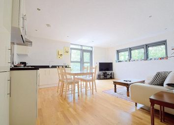 Thumbnail 2 bed flat for sale in Newington Green, London