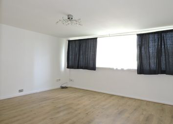 Thumbnail Maisonette to rent in Ayley Croft, Enfield