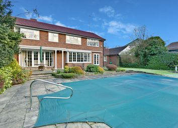 Thumbnail 5 bed detached house to rent in Coombehurst Close, Hadley Wood
