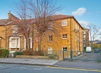 Thumbnail Studio to rent in Cecilia Road, London