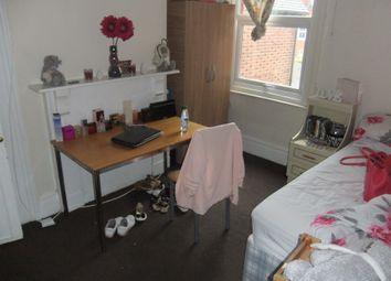 Thumbnail 6 bedroom terraced house to rent in London Road, Reading