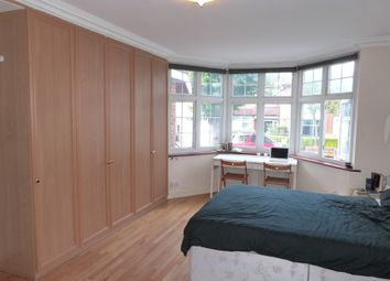 Thumbnail Studio to rent in Beechcroft Avenue, Golders Green, London