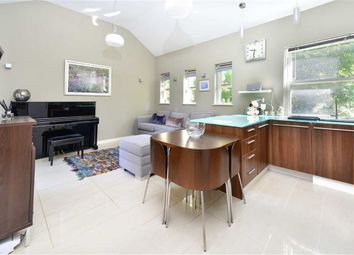 Thumbnail 2 bed flat to rent in St. John's Way, London