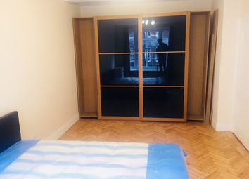 Thumbnail Room to rent in Queensway, Bays Water, Hyde Park