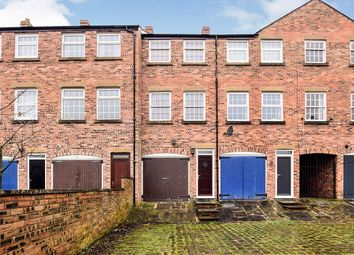 2 bed terraced house to rent in St. Georges Street, Macclesfield SK11