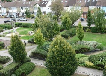 Thumbnail 3 bed flat to rent in Hampton Gardens, Cromwell Road, Cambridge