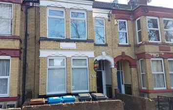 Thumbnail Commercial property for sale in 89 Boulevard, Hull, East Yorkshire